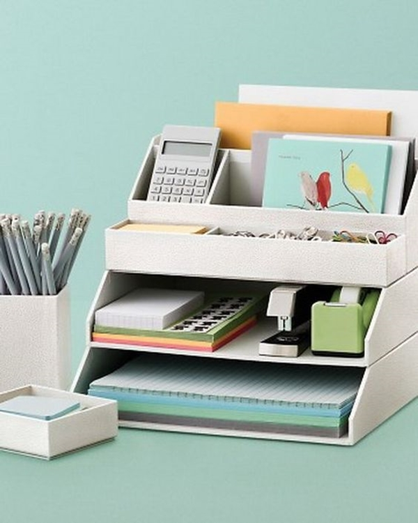 Super-Awesome-Desk-Accessories
