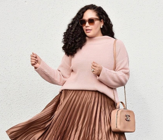 COMPLETE-WORK-OUTFITS-FOR-PLUS-SIZE-LADIES