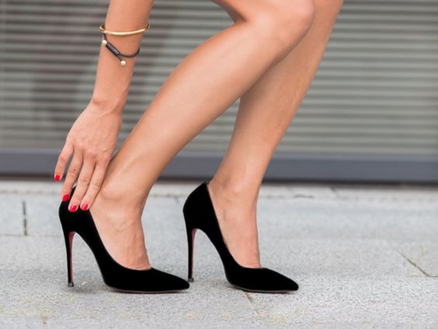 Life-Changing-High-Heel-Hacks-For-Working-Women